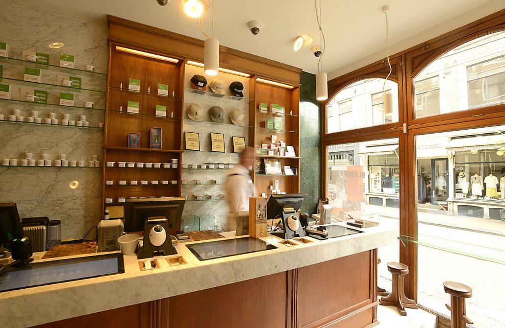 Boerejongens-Coffeeshop-Center-Counter-Ghost-1030x670